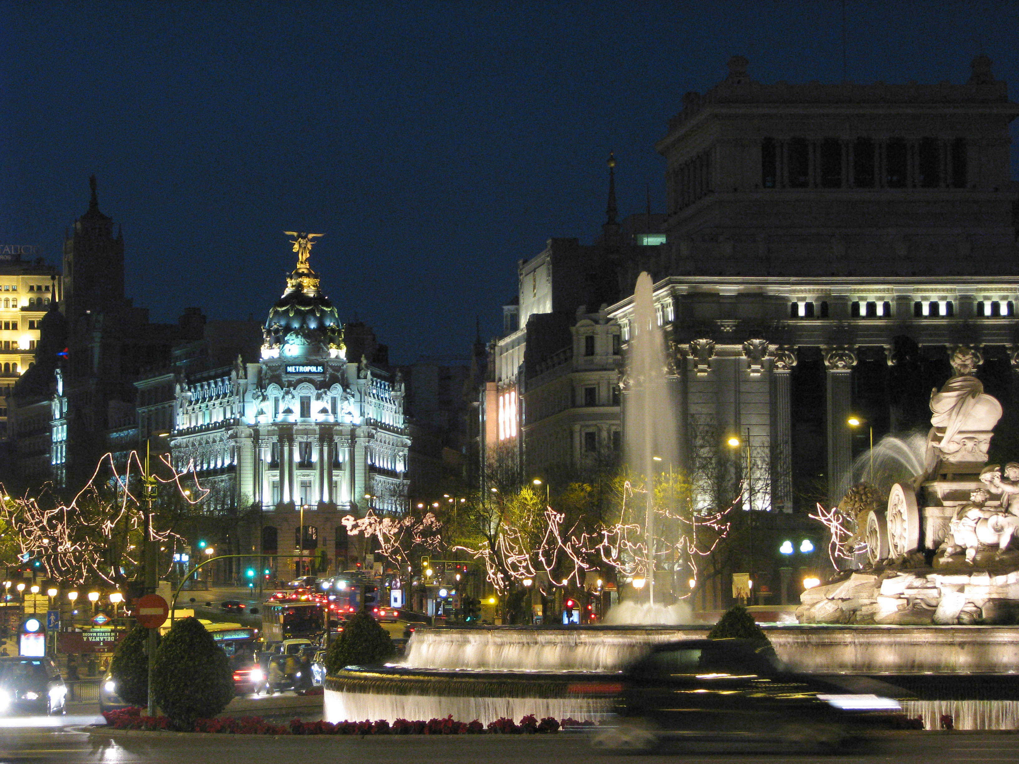 Plaza_de_Cibeles_(Madrid)_05